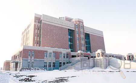 生活百科 其他 正文  昨天12时30分左右,辽宁大学四台子新校区的图书