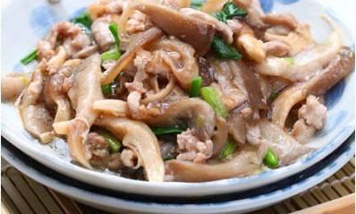 霸王炒菠菜鸭豆角平菇的做法图片