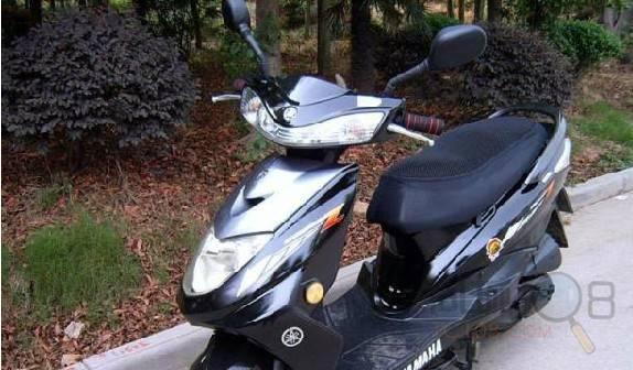 [供]雅马哈踏板125摩托车
