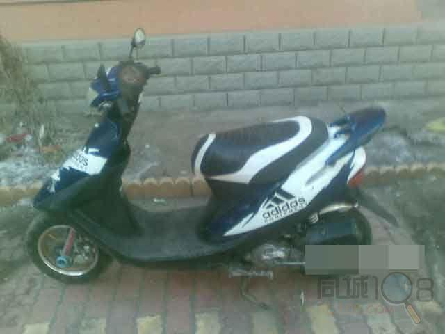 8期原装小踏板摩托车
